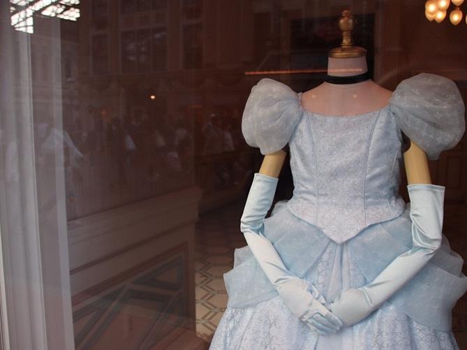 【ディズニー】子供用ドレスまとめ!ビビディ・バビディ・ブティック&ディズニープリンセスドレスも