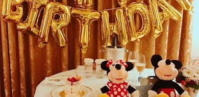 【ディズニーランド】誕生日におすすめのレストラン5選!レストランの予約方法&バースデーシールまとめ!