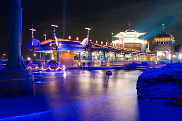 ポートディスカバリーとは?未来都市の港というテーマポート