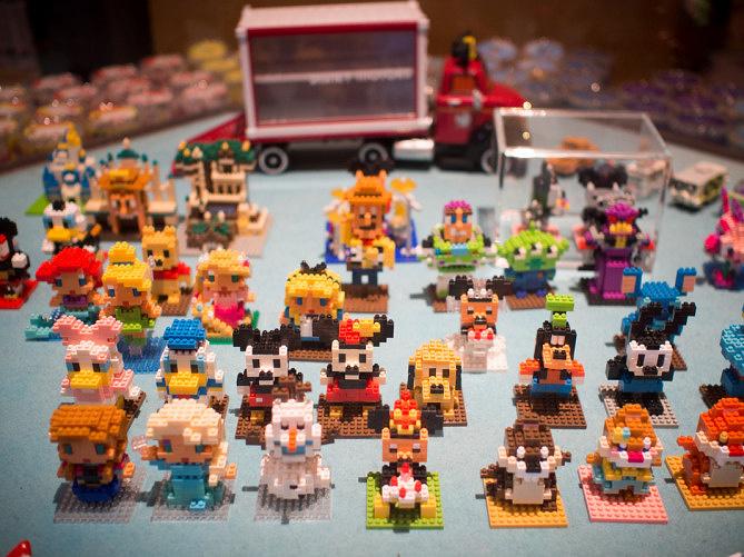 ディズニーナノブロック32選!キャラクターたちがナノサイズになって大集合!