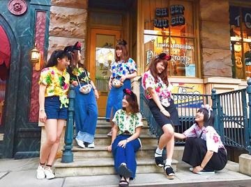 【2018】ディズニーアロハシャツコーデ15選!夏におすすめの服装!パークで買えるアイテムも