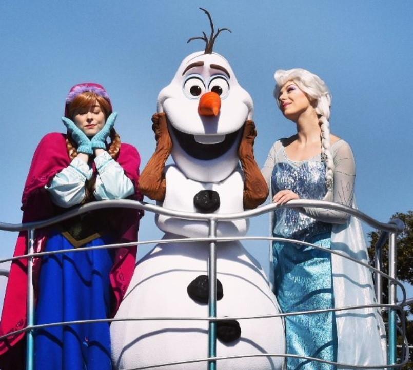 オラフの人気グッズ5種類集めてみた!超かわいいアナと雪の女王のアイテムをゲットしよう!