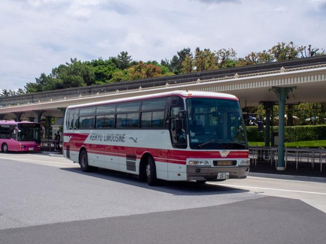 【ディズニー↔横浜駅バス】値段・乗り場・時刻表まとめ!ディズニーまではバスがおすすめ!