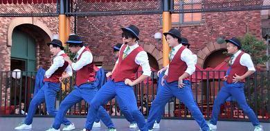 【USJ】ナイトロダンスクルー攻略!イケメン男性キャストのショー内容・使用曲・楽しみポイント解説