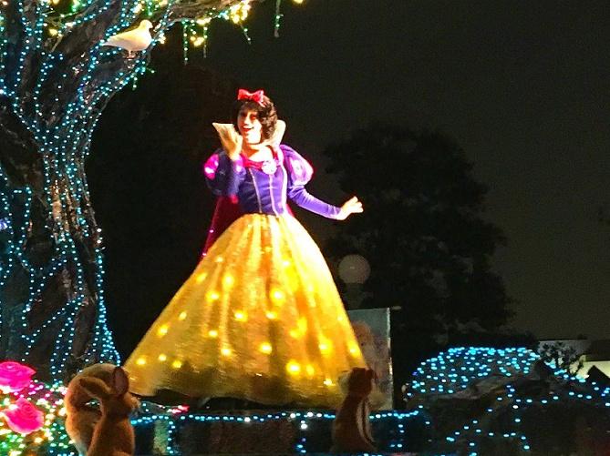 【白雪姫の原作】ディズニー映画との違いは?本当は怖い白雪姫の原作まとめ!内容とストーリーを完全ガイド!