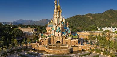 【2020年完成】香港ディズニーランドのお城がリニューアル!新エリア&ショーも登場!