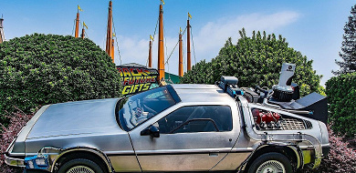 【デロリアン】バックトゥザフューチャーに登場する車を紹介!夢のタイムマシンの値段は?