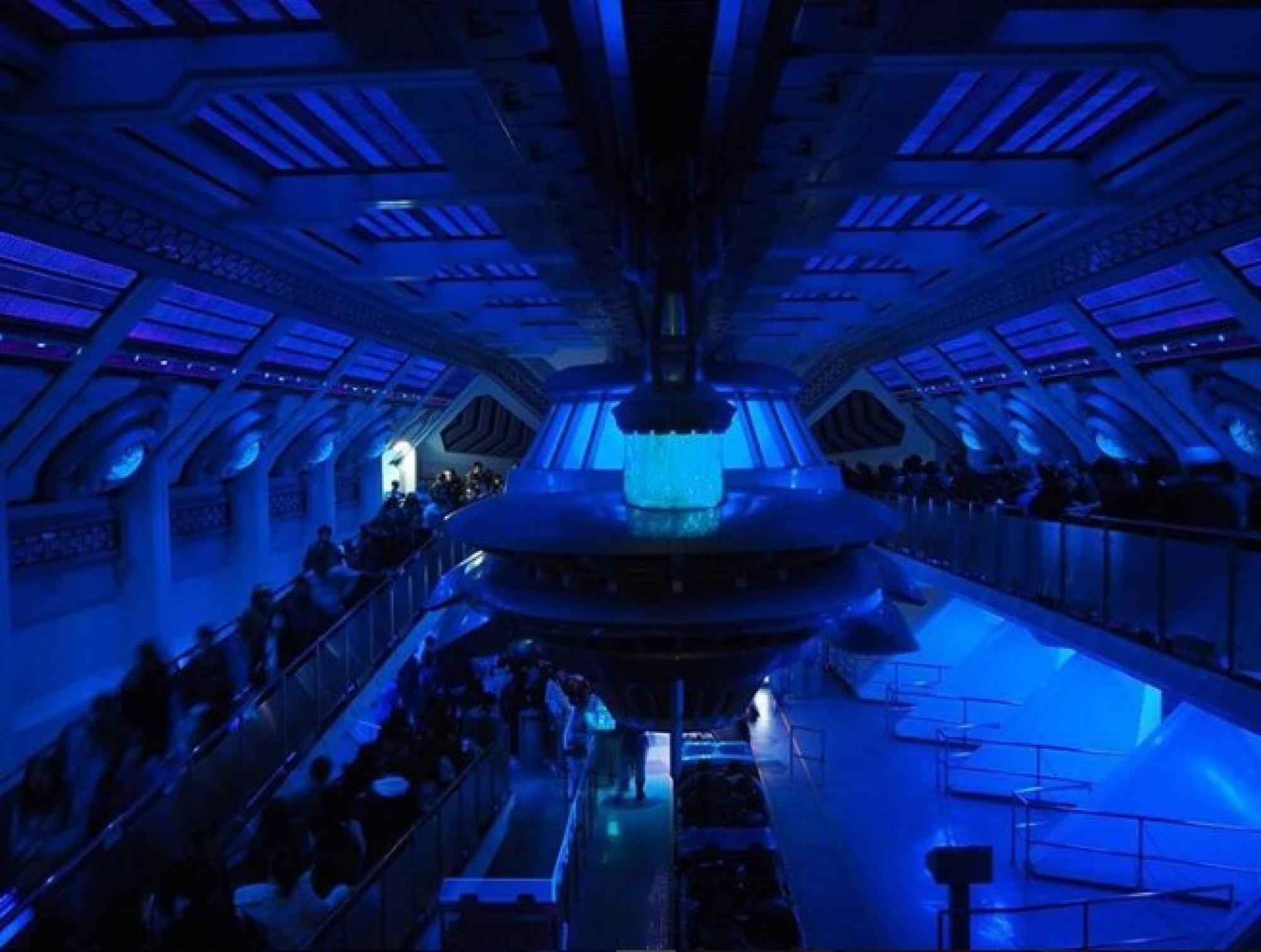 スペースマウンテンの宇宙船