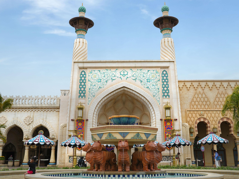 アラビアンコーストの建物にはイスラム建築の手法も