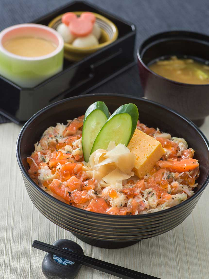 蟹とサーモンとイクラのちらし丼