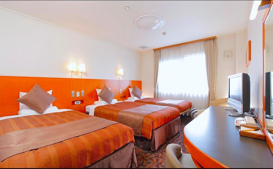 ホテルマイステイズ舞浜の客室。明るくモダンな雰囲気が心地よいです