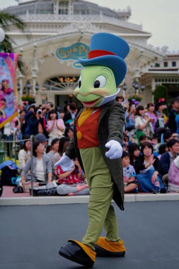 【ジミニー・クリケット】ピノキオに登場するコオロギ!ディズニーで会える場所は?