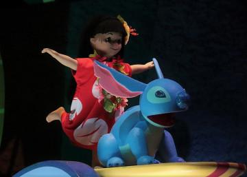 【リロ&スティッチキャラクター】いとこがたくさん?彼女エンジェルも!ディズニーのどこで会える?