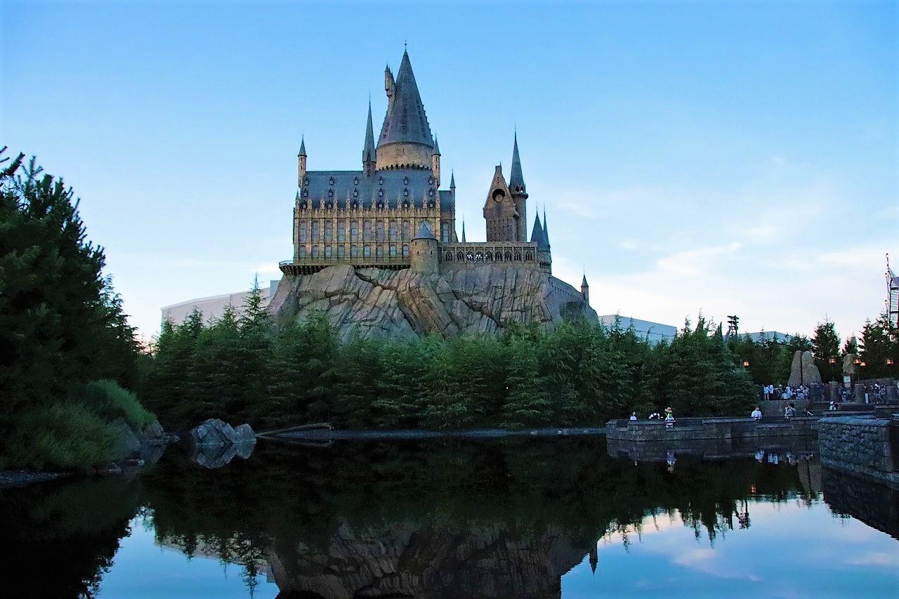 【簡単】ハリーポッター映画あらすじまとめ!シリーズ全8作品のネタバレをわかりやすく解説