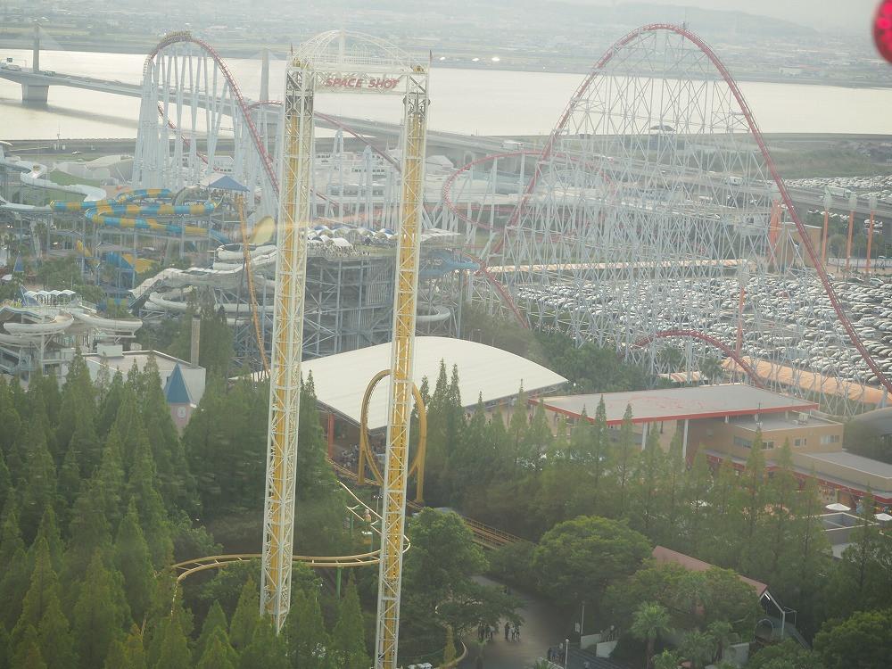 観覧車から見たスチールドラゴン