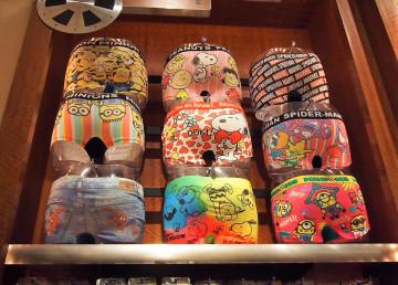 【USJ】お土産におすすめパンツ全39種類!ミニオンやスパイダーマンが人気、レディースや子供用も
