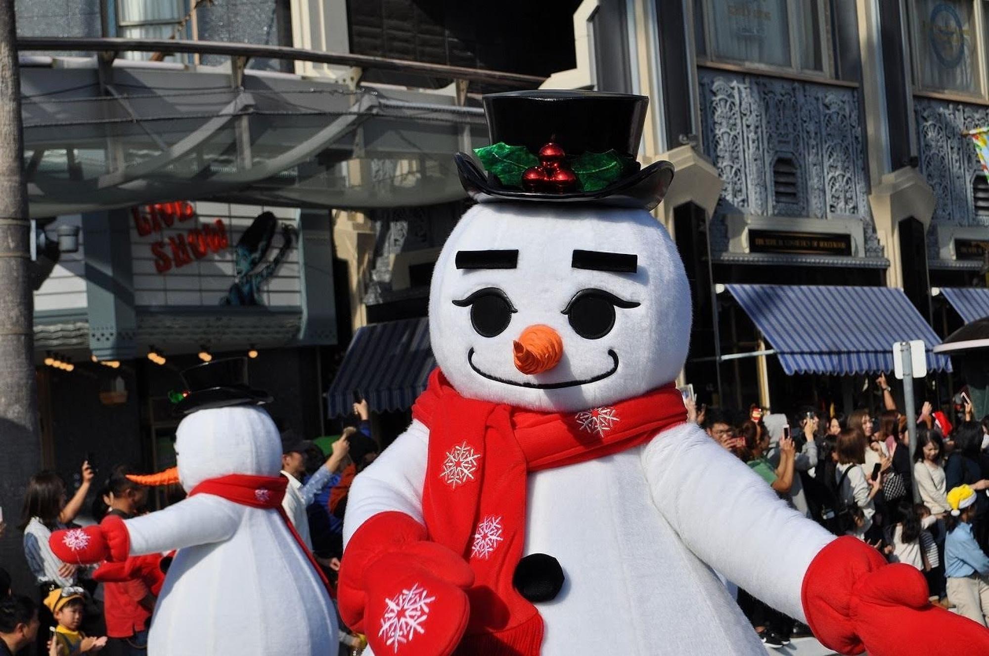 USJのスノーマン(2018年クリスマスパレード)