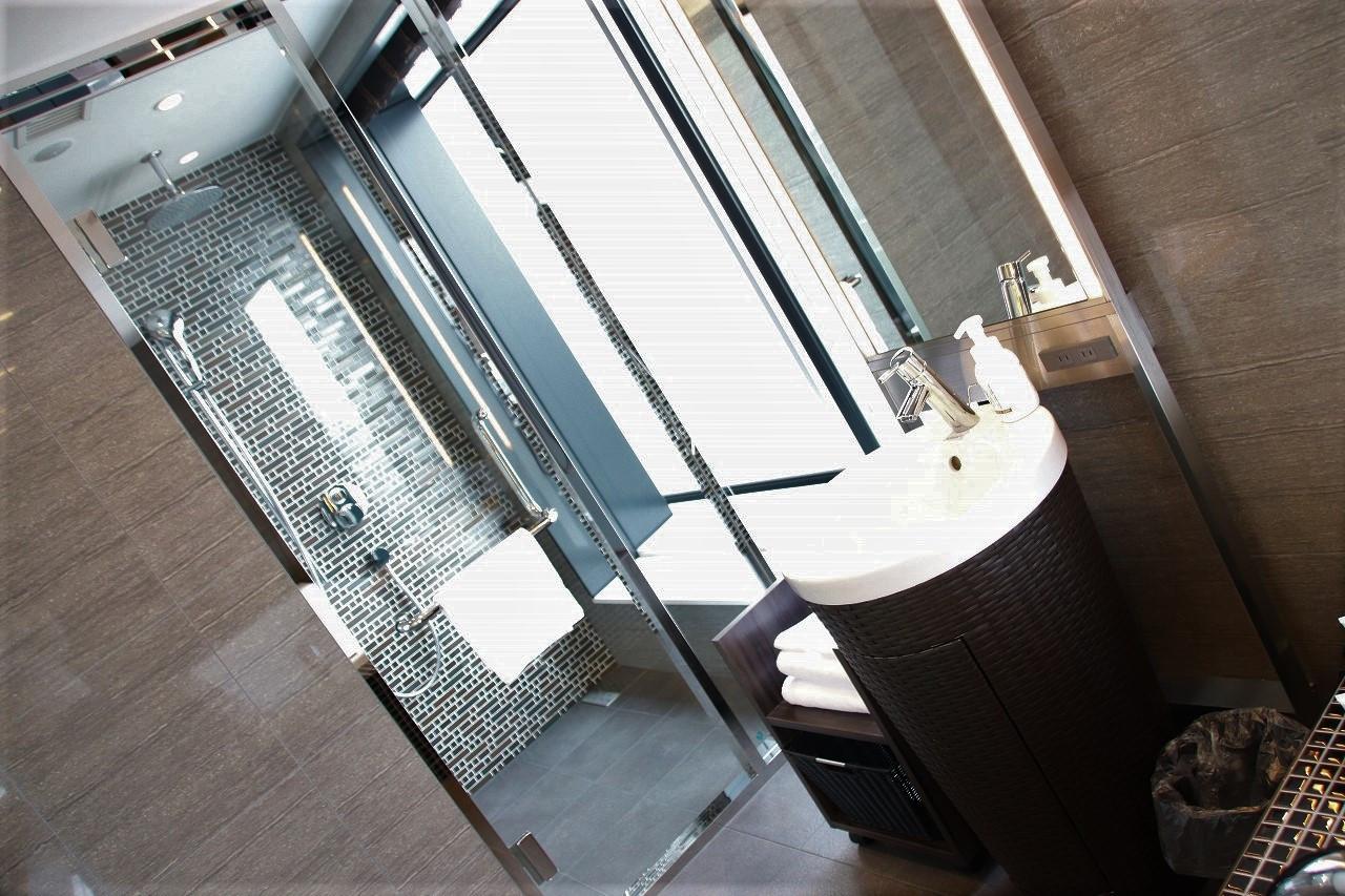 洗面台とシャワースペース