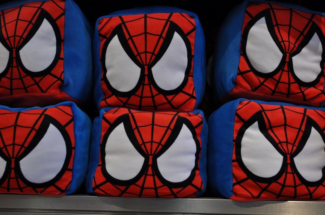 スパイダーマンキューブクッション