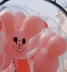 ピンク色のミッキー風船
