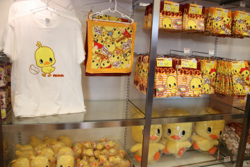 【横浜】カップヌードルミュージアムのお土産グッズ16選!お菓子、ラーメン、文房具、Tシャツも♪