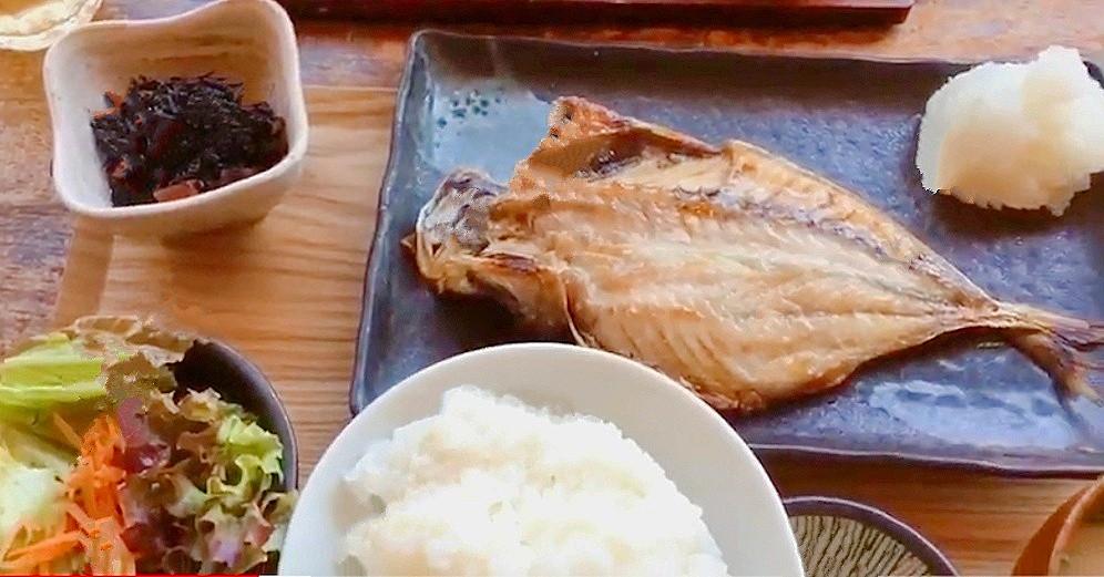 ヨリドコロのサバ定食